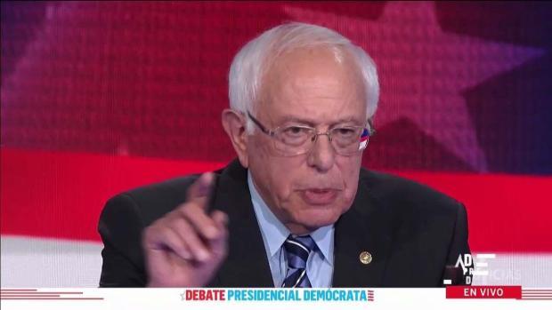 """Sanders dice quién pagará por los planes de salud """"gratuitos"""""""