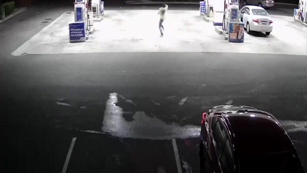 [TLMD - Bahia] En video: sospechoso intenta disparar a conductor de Lyft en gasolinera