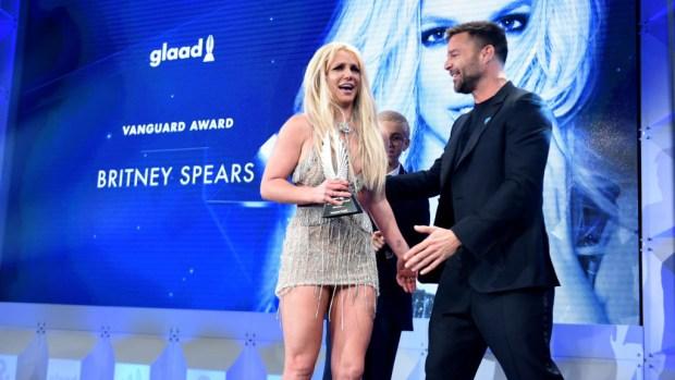 Las intensas palabras de Ricky Martin y Britney Spears en memorable premiación