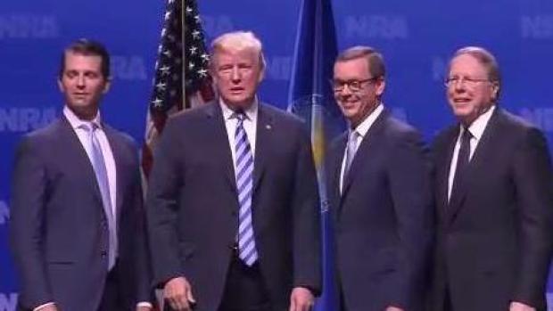 Trump habla ante defensores del acceso a las armas