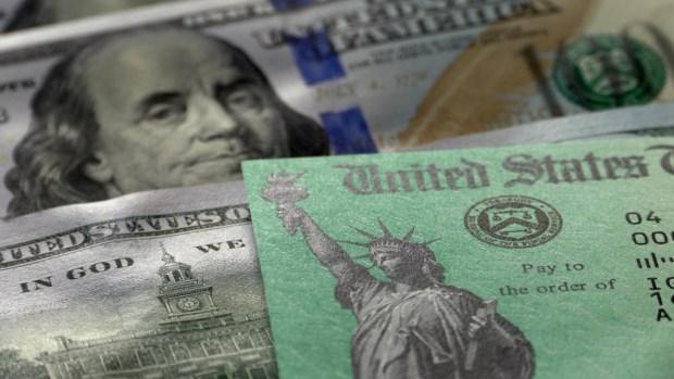 Por qué el IRS devuelve menos dinero de impuestos