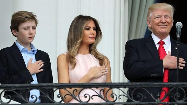 [TLMD - MIA] Cámaras captan sutil seña de Melania a Trump