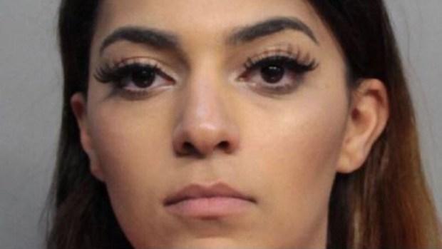 Acusan a mujer de seducir a hombres, drogarlos y robarlos