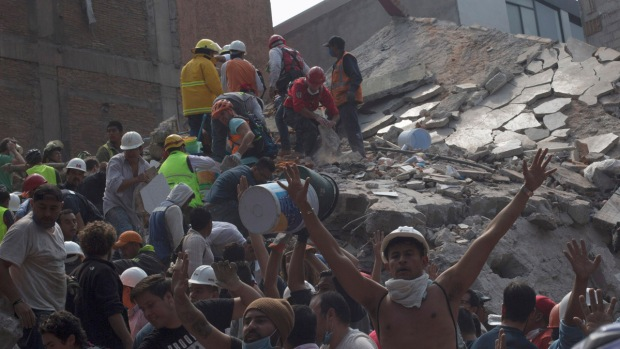 México: fuerte terremoto siembra muerte y destrucción
