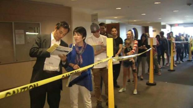 Cientos de residentes en San José ejercen su derecho al voto