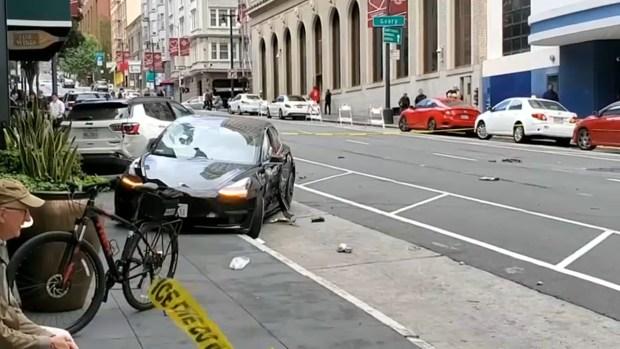 [TLMD - Bahia] Conductor pasa luz roja, atropella a peatones matando a uno