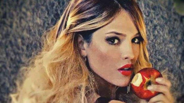 Video: Eiza González se burla de Miley Cyrus