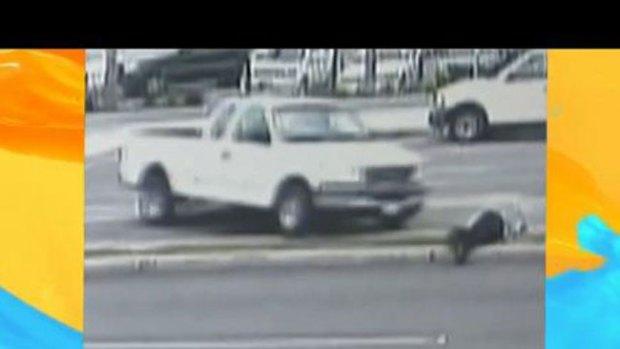 Video: Frustrar el robo de su auto le costó caro