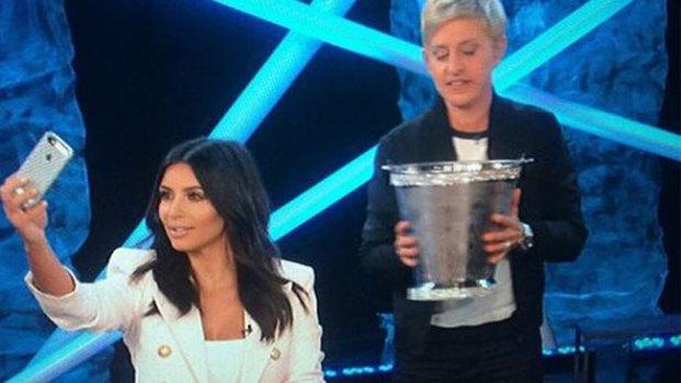 Video: ¡Kim Kardashian hace el reto enjoyada!