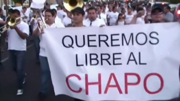 "Video: Investigan marcha a favor de ""El Chapo"""