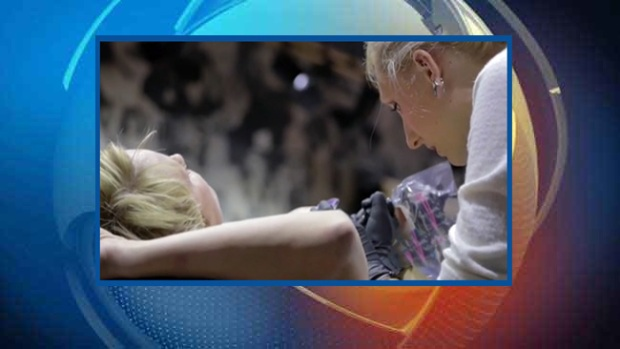 Video: Después del cáncer de seno, ¡tatuajes!