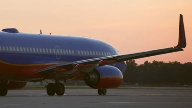 Video: Critican a Southwest por aterrizaje