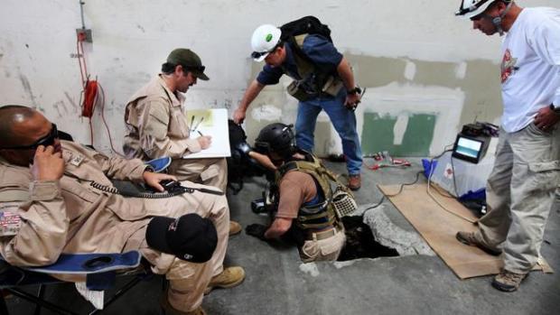"""Galería: Descubren """"narcotúnel"""" en San Diego - Tijuana"""