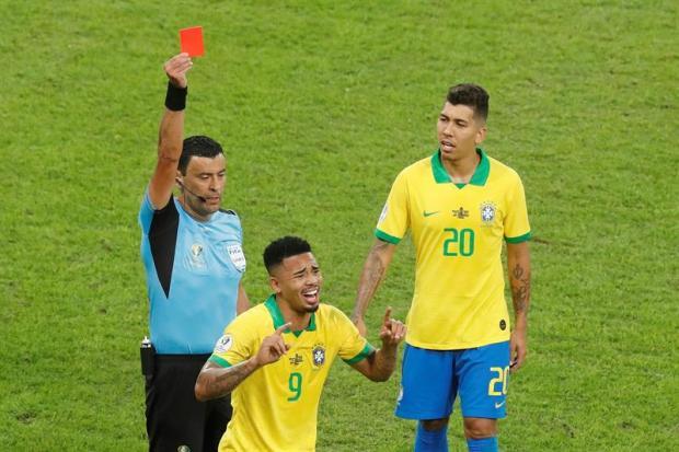 [TLMD - National LV] Brasil se queda con 10 tras expulsión de Gabriel Jesus