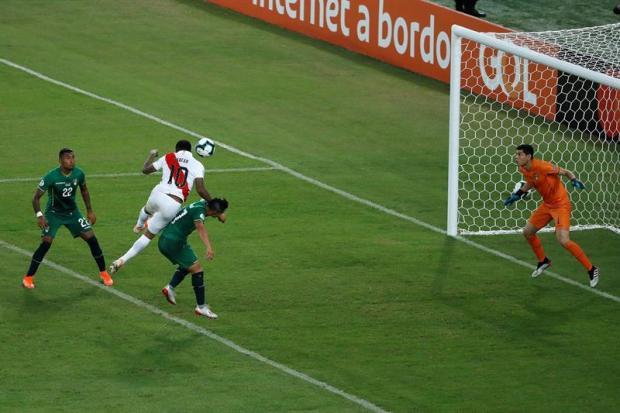 [Copa America - PUBLICADO] Cabezazo de Farfán pone a Perú arriba 2-1 ante Bolivia