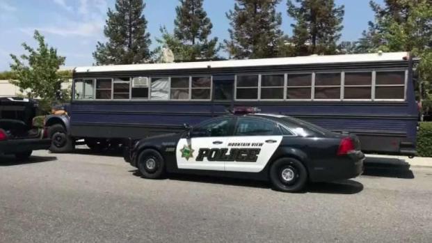[TLMD - Bahia] Confiscan drogas de camión escolar en Mountain View
