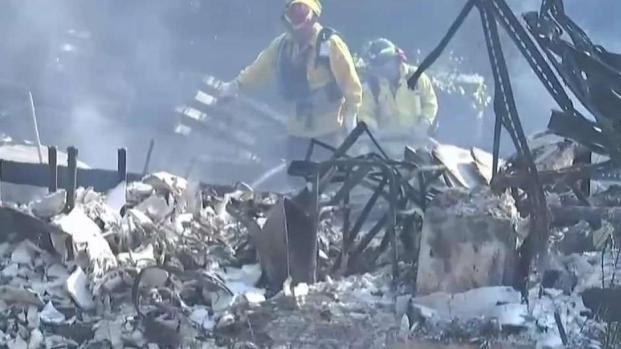 Continúa la lucha contra incendio Kincade
