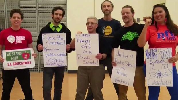 [TLMD - Bahia] Familias preocupadas por posible cierre de escuelas en Oakland