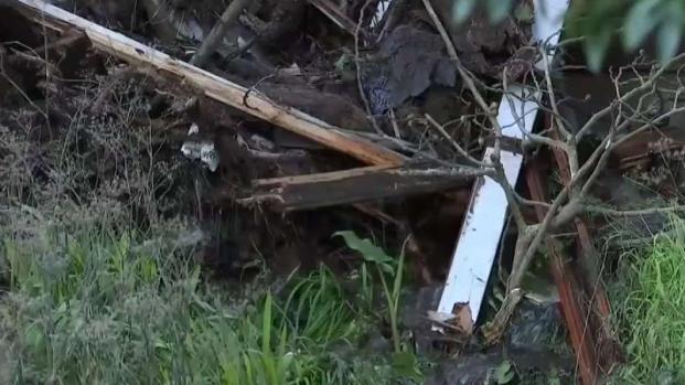 Remueven escombros tras deslizamientos en Sausalito