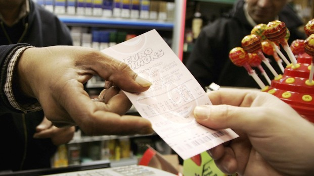 Gana la lotería dos veces en 18 meses: así lo hizo