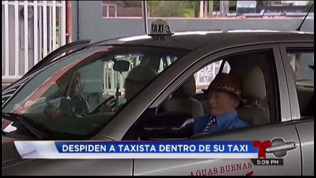 Velan a hombre dentro de su taxi