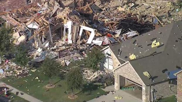 Casa estalla, deja cinco heridos y afecta otras 9 casas