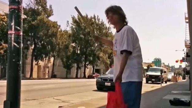 Joven capta en video situación de desamparados en San Francisco