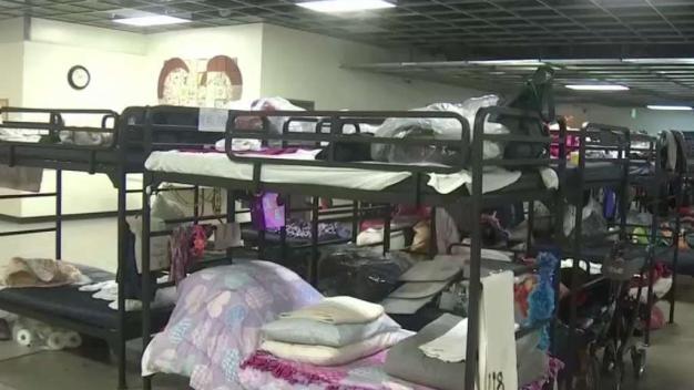 Preparan albergues para desamparados en la Bahía