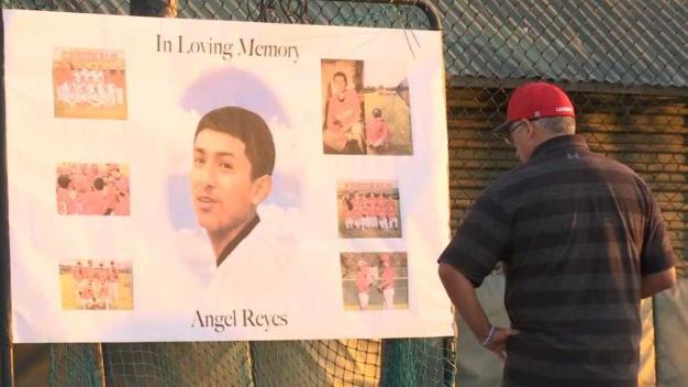 Entre lágrimas recuerdan a joven muerto en accidente