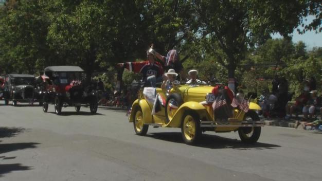 Conmemoran el 4 de julio con desfile en San José
