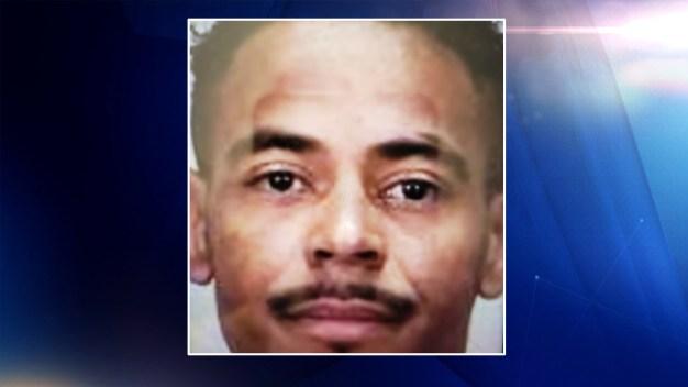 Policía de Marysville busca a presunto asesino