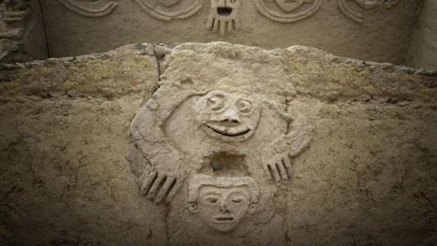 "Perú: descubren ""sapo humanizado"" de 3,800 años"