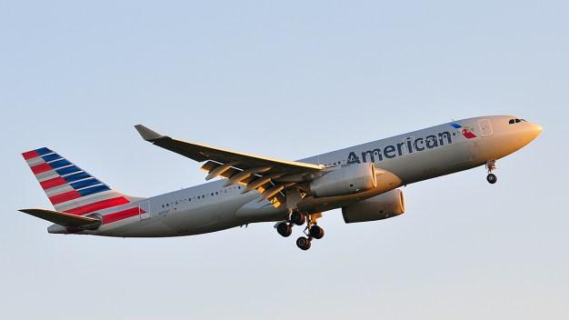 Terror en el aire: pasajeros se preparan para impacto