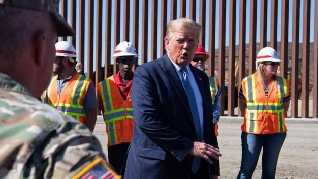 Trump visita sección de muro fronterizo en California