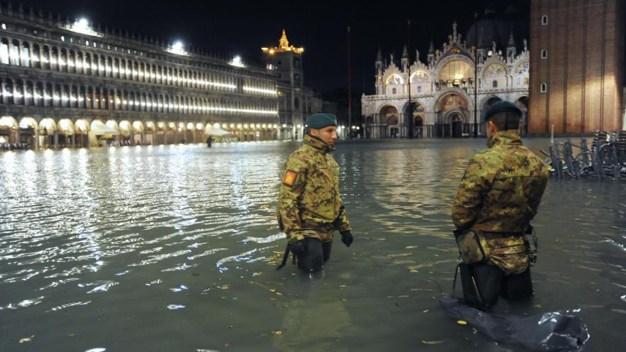 Insólito: casi toda Venecia está bajo el agua