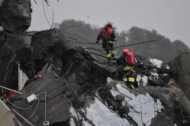 Inmenso puente se desploma en Italia; hay muertos