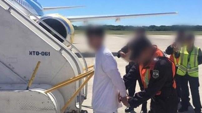 El negocio millonario de vuelos con deportados por EEUU