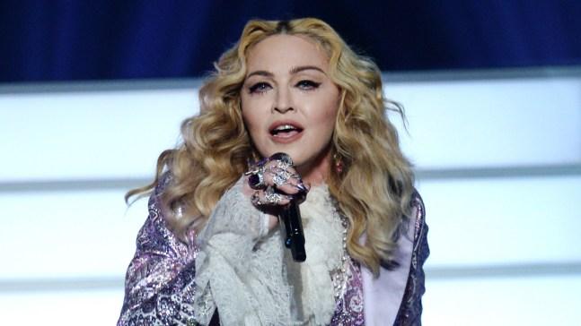 Madonna ofrece sexo oral por votar por Hillary Clinton