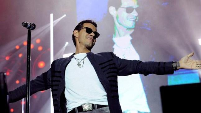 Marc Anthony llora al rendir tributo a Juan Gabriel
