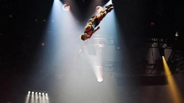 La magia de Messi y el Cirque du Soleil, juntos
