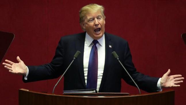Sondeo: mayoría cree que Trump respeta poco a mujeres