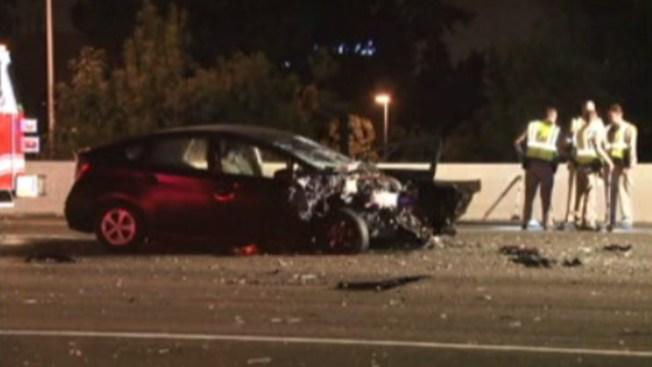 Auto golpea mortalmente a hombre en la 880