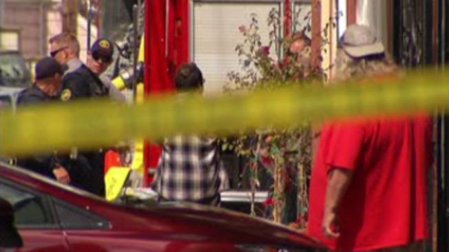 Hallan cuerpo quemado tras explosión en residencia