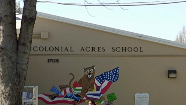 Padres se quejan de empleados de escuela en Hayward