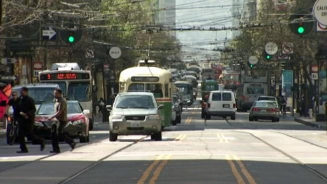 Entran en vigor nuevas reglas para manejar por Market Street