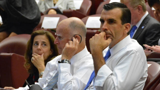 Brown, Liccardo combaten cambio climático en El Vaticano