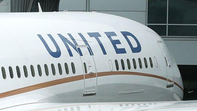 Un avión aterrizó de emergencia por la ¡caca! de un pasajero