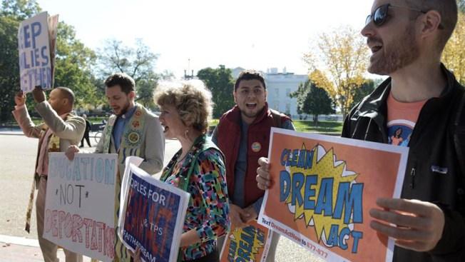 """Estudio: fin de DACA será """"devastador"""" para la economía de EEUU"""