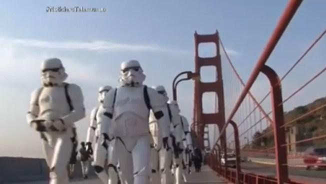 "Guardias Imperiales ""ocupan"" el Golden Gate"