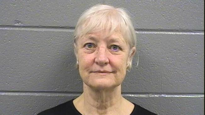 Polizón en serie arrestada en Chicago, ¡dos veces!